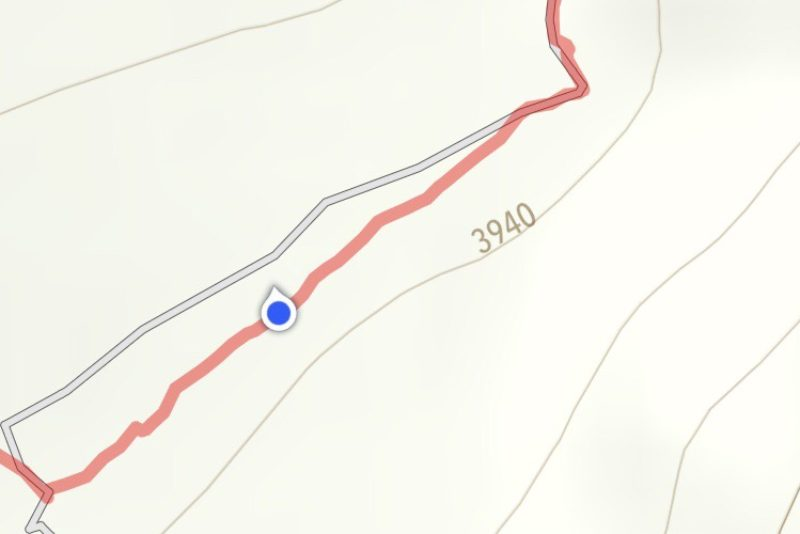 As long as the blue dot is near the red line we are on route. It would have been tricky at times on this route without a GPS trail