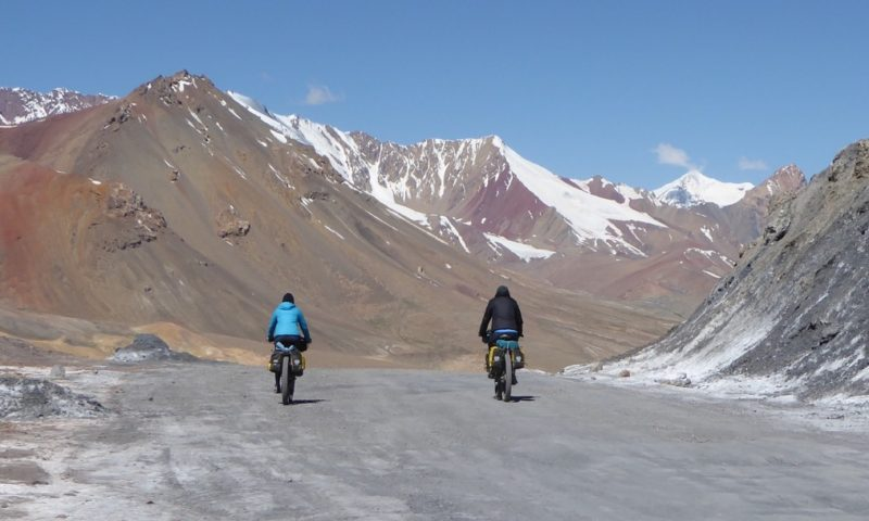 Heading over the Akbaital pass
