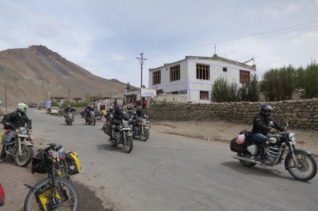A motorcycle crew leaving Rumptse